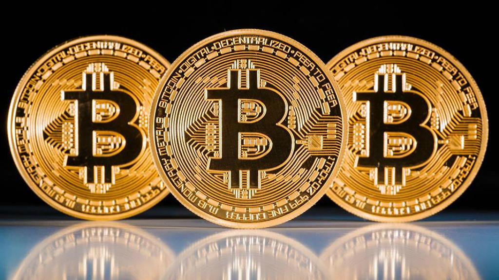 Lee más sobre el artículo Bitcoin rompe 50000: Las criptomonedas rompiendo máximos pero los de siempre hablan de burbujas 🤦♂️